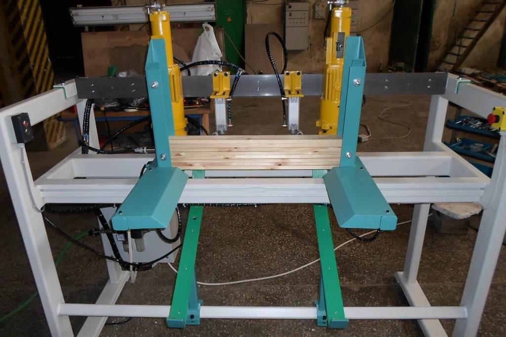 21-90-135 Automatinės gręžimo staklės Woodland machinery