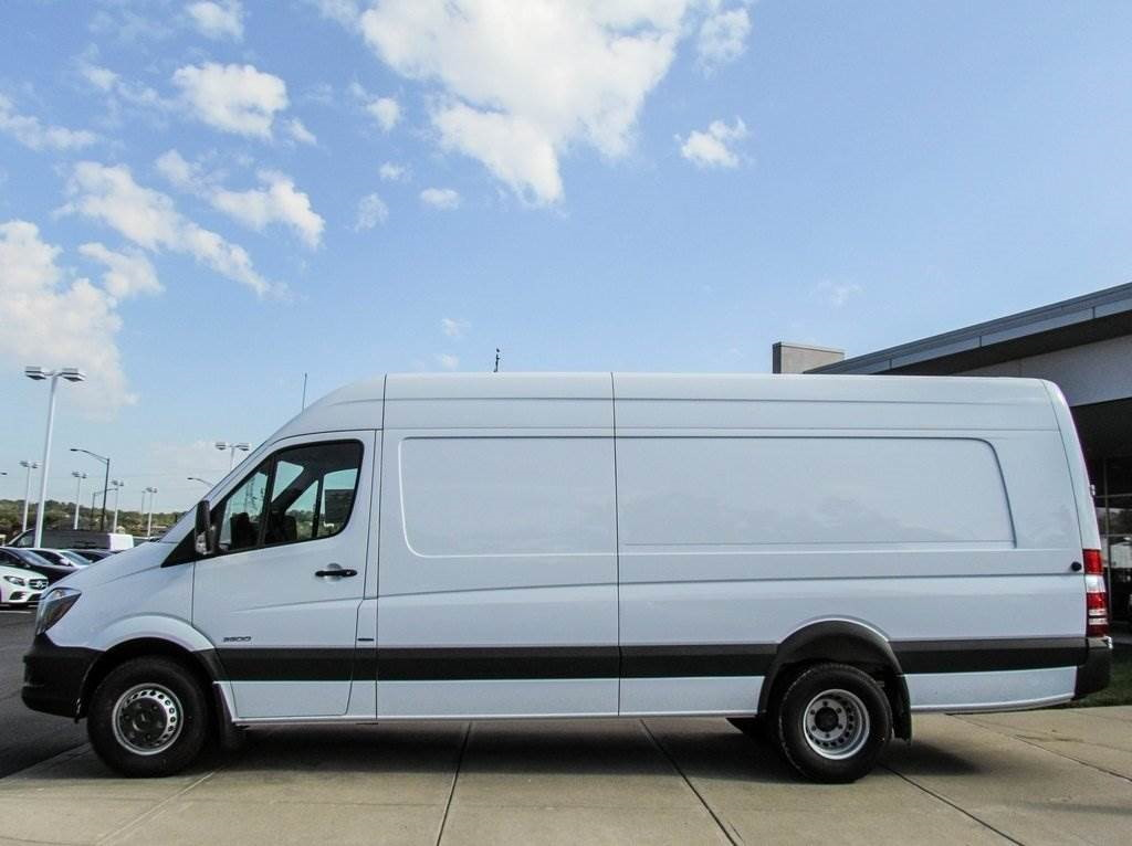 Greitas ir skubus express krovinių pervežimas ir gabenimas, skubios ir tarptautinės verslo siuntos. +37062387452 .Express pristatymas - tai nedidelių
