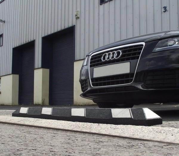 Guminis parkavimo bortelis - ratų atmušėjas