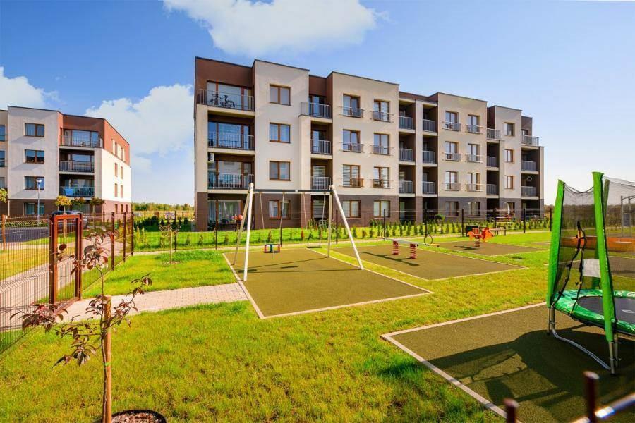 Naujai įrengtas 1,5 kambario butas Kauno r. sav., Jonučių II k., Versmės g.  Ypatumai / įranga  Teritorijoje: sutvarkyta aplinka, mini vaikų darželis,