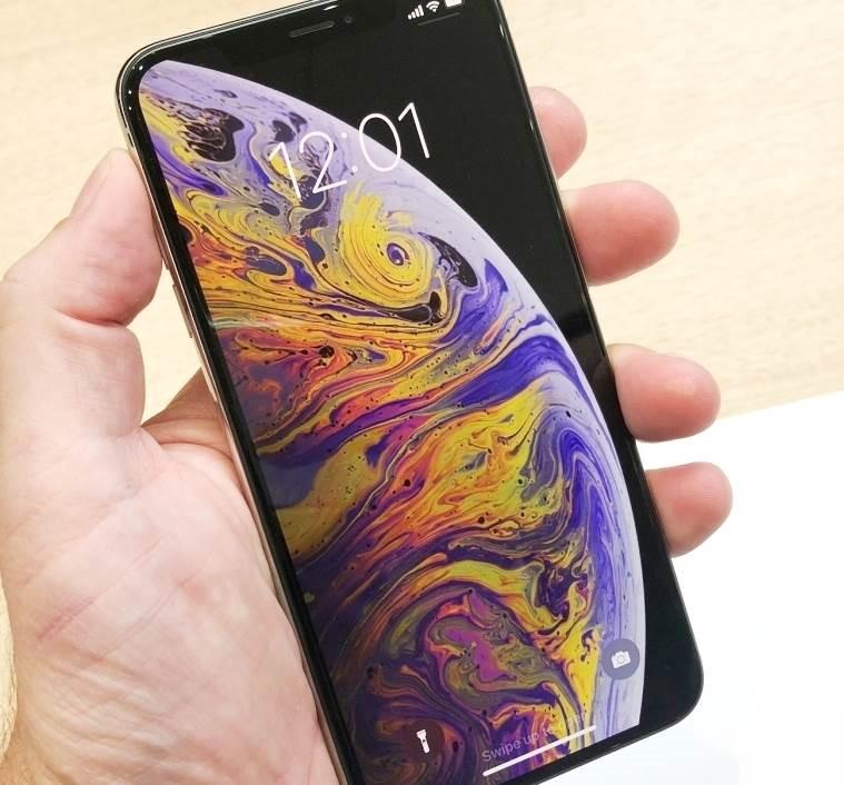 NAUJAS iPHONE XS-JUODAS-AMOLED-512GB-LT KALBA+DEKLAS DOVANU..