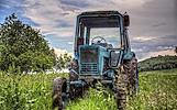 Skubiai superkame senus traktorius