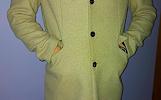 Šviesus puošnus vyriškas paltas